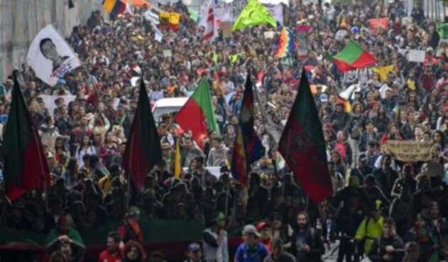 Indígenas se unieron a las marcha en Bogotá
