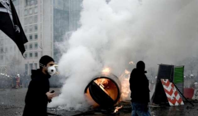 Disturbios en protesta de chalecos amarillos en París