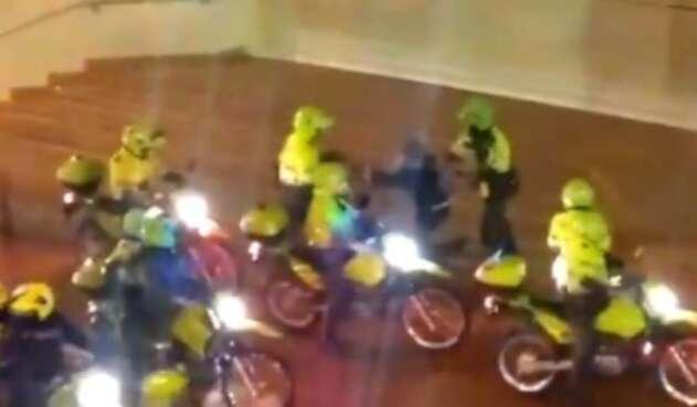 POLICÍA AGRESIÓN