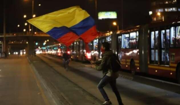 Manifestante en inmediaciones de la U Nacional