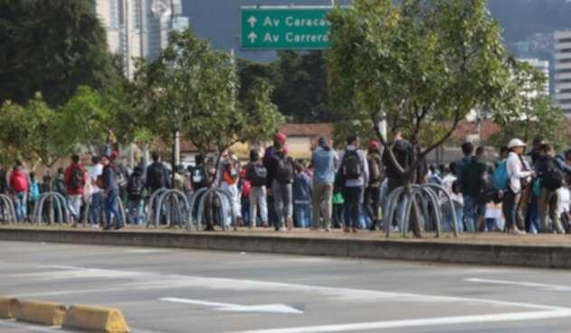 La gente es transportada en camiones por la falta de buses en el sur de Bogotá