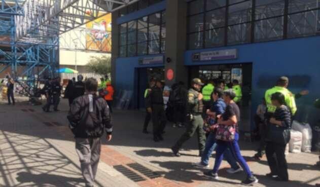 Portal de la calle 80, en Bogotá, intenta volver a la normalidad.