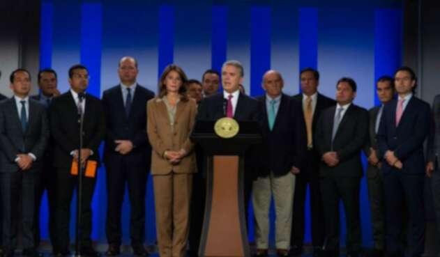 Presidente Iván Duque junto a alcaldes de ciudades capitales.