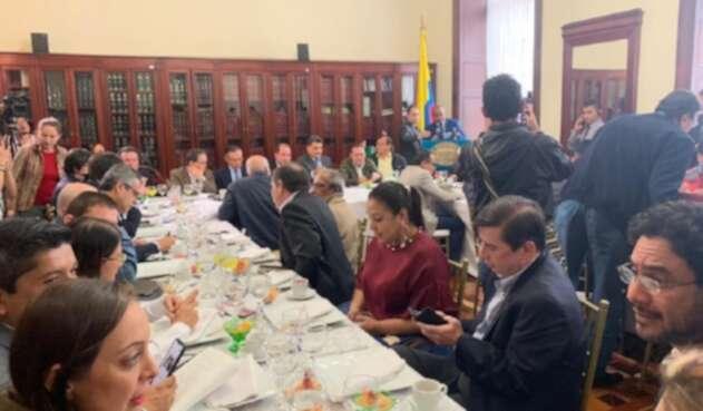 Reunión entre directivas del Congreso y líderes del Paro
