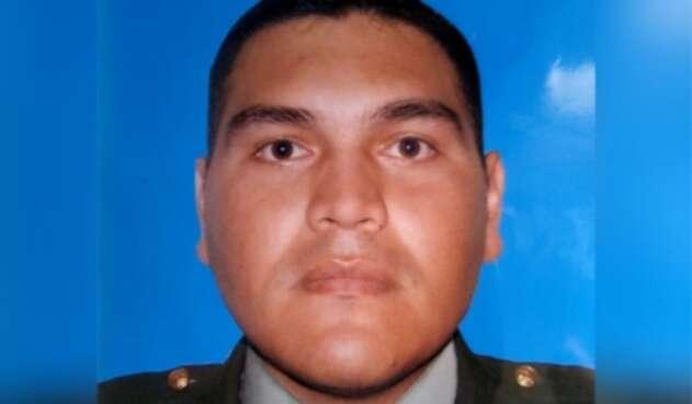 Arnoldo Verú, policía herido con papa bomba