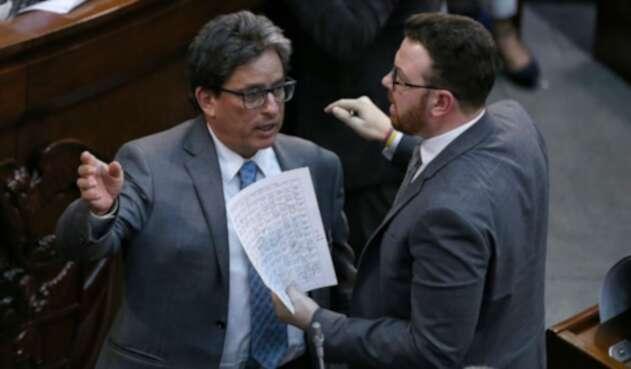 Ministro de Hacienda, Alberto Carrasquilla, en votación de reforma tributaria en el Congreso.