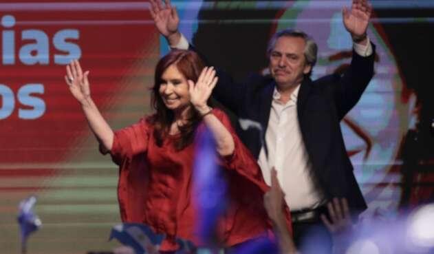 Alberto Fernández y Cristina Kirchner llegan a gobernar a Argentina
