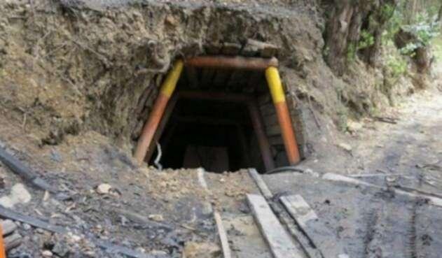 Mina - socavón - Mina de carbón