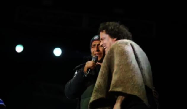 Nairo Quintana y Carlos Vives
