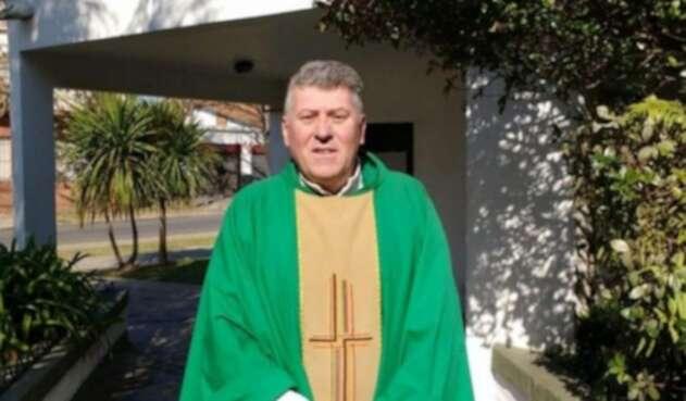 Sacerdote argentino Eduardo Lorenzo