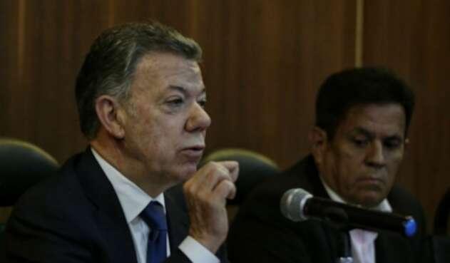 Juan Manuel Santos rindió versión libre en el CNE