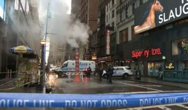 Mujer muere en Times Square