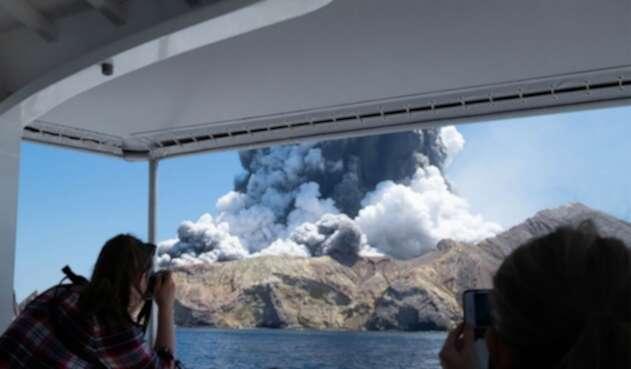 Volcán en Nueva Zelanda hizo erupción