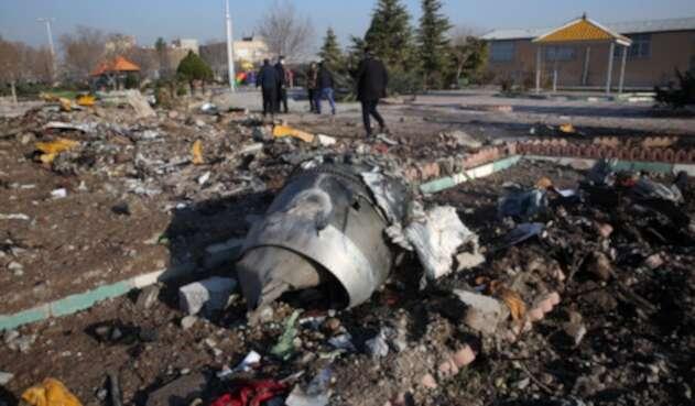 Así quedó el avión derribado en Irán.