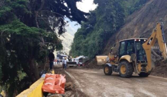 Deslizamiento en vía Cajamarca - Calarcá