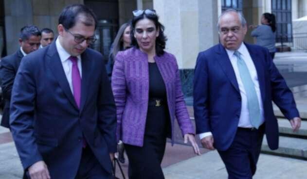 Francisco Barbosa, María Clara González y Camilo Gómez