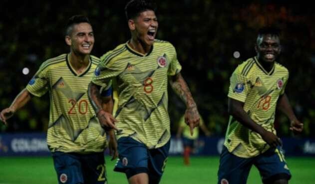 Jorge Carrascal celebra gol con selección Colombia sub 23