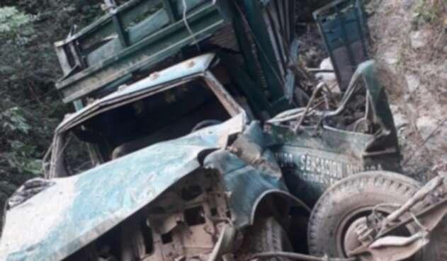 Hallan diez cuerpos calcinados dentro de un carro en México