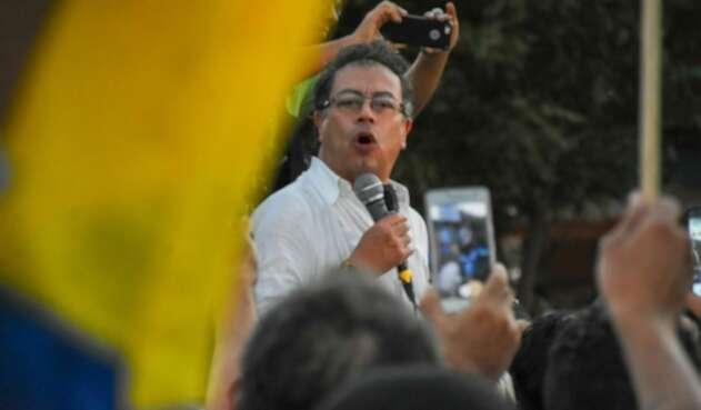 El senador se burló de las acusaciones de Guaidó.