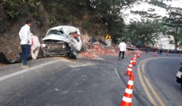 Una posible invasión de carril habría originado el accidente.