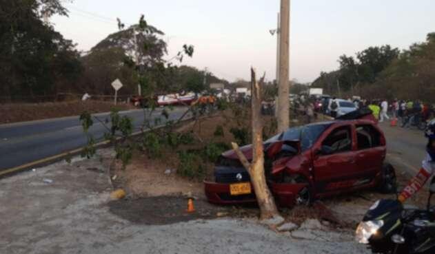 Accidente en la vía que comunica con Cartagena y Turbaco dejó 17 heridos y muerto