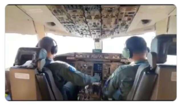 El avión a Wuhan cumplió con la primera escala.