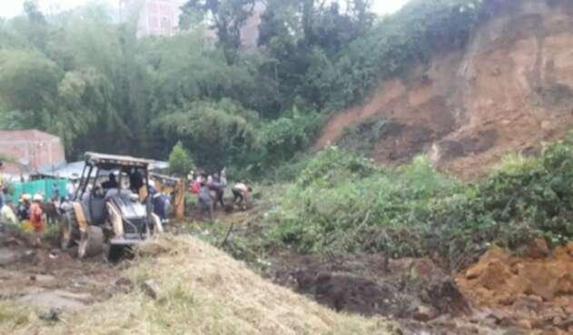 Tras un fuerte aguacero, se presentó un deslizamiento de tierra