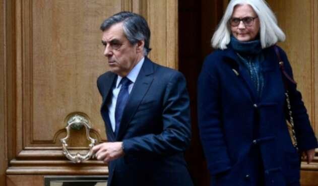 Francois Fillon y Penelope Fillon comparecerán ante la justicia francesa