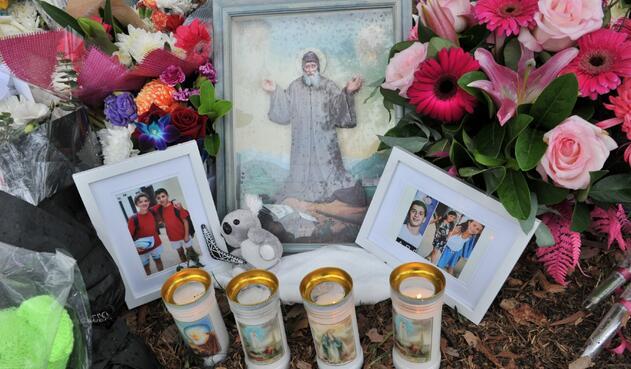 Homenaje en lugar del accidente de niños en Australia