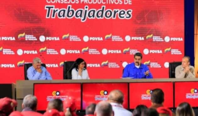 Nicolás Maduro declara en emergencia a PDVSA