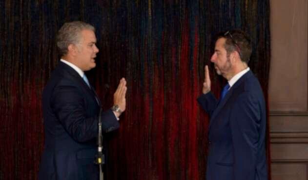 Álvaro García es posesionado por el presidente Iván Duque como nuevo gerente de RTVC