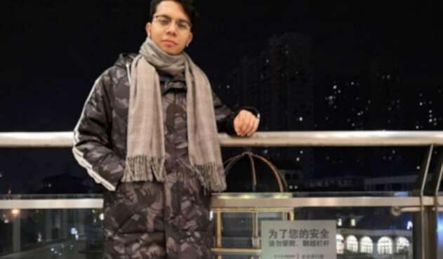 Julián Vélez, colombiano que se quedó en Wuhan