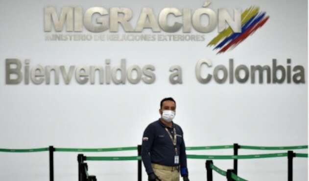 Migración Colombia adelanta controles en aeropuertos y fronteras, tras la llegada del coronavirus