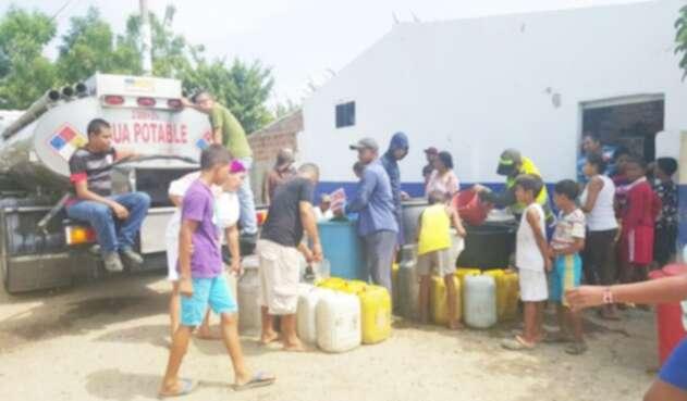 piden una solucion urgente, necesitan mas del liquido para prevenir casos por covid 19