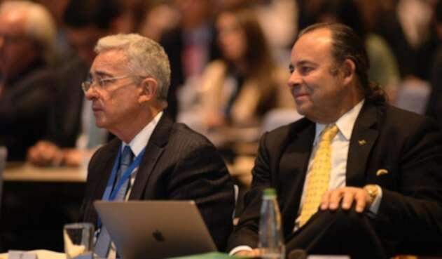 Luis Guillermo 'Luigi' Echeverri junto al presidente Álvaro Uribe Vélez