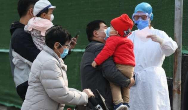 Niños con coronavirus