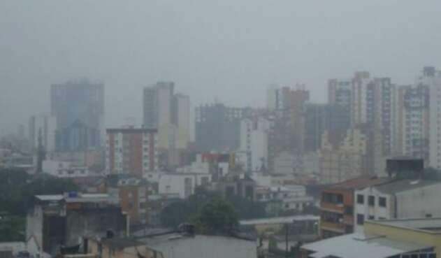 Ante la deficiente calidad del aire que se ha registrado desde febrero en la capital santandereana y el área metropolitana, la Alcaldía de Bucaramanga señaló que desde el lunes 16 de marzo se aplicará la medida de 'Pico y placa' ambiental.