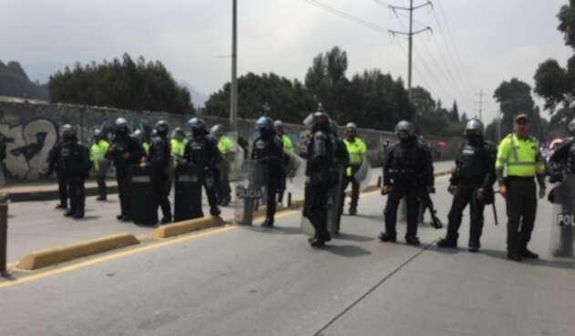 Agentes del Esmad en la localidad de Ciudad Bolívar.