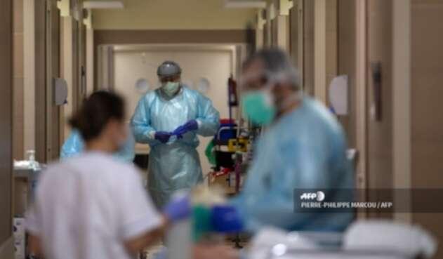 Atención de pacientes con COVID-19 en Madrid, España