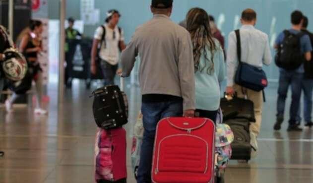 Colombianos varados en Guayaquil solicitan vuelo humanitario