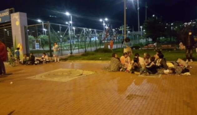 Familias Embera duermen en la calle