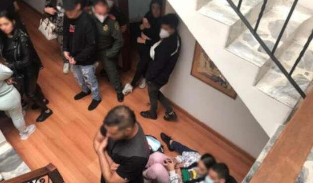 En la fiesta privada, la Policía encontró menores de edad.