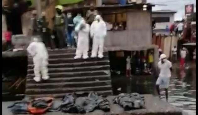 La comision judicial trasladó los cuerpos al área urbana de Tumaco.