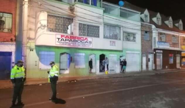 Explosión frente a fábrica de tapabocas.