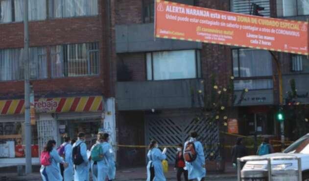 Alerta naranja en zonas de Bogotá por focos de contagio de coronavirus.