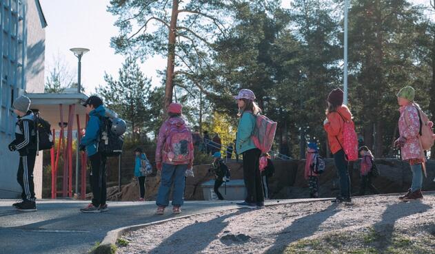 Coronavirus en Finlandia / Distanciamiento de niños en colegios