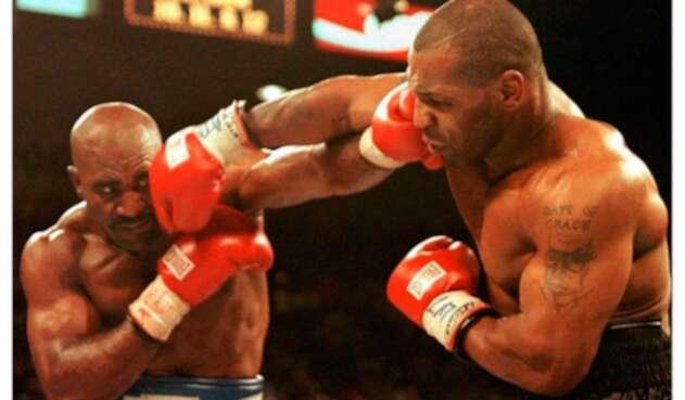 Holyfield y Tyson en la pelea de 1997