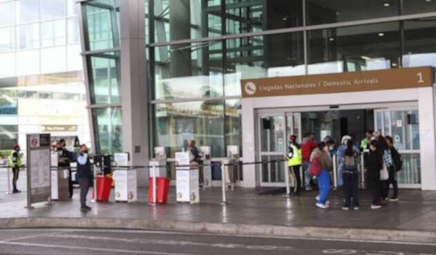 Aeropuerto El Dorado en tiempos de coronavirus en Colombia