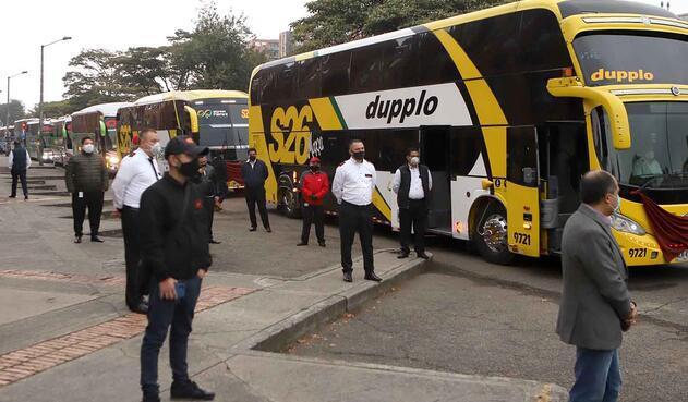 Protesta de buses intermunicipales por cuarentena en Colombia / Coronavirus en Colombia