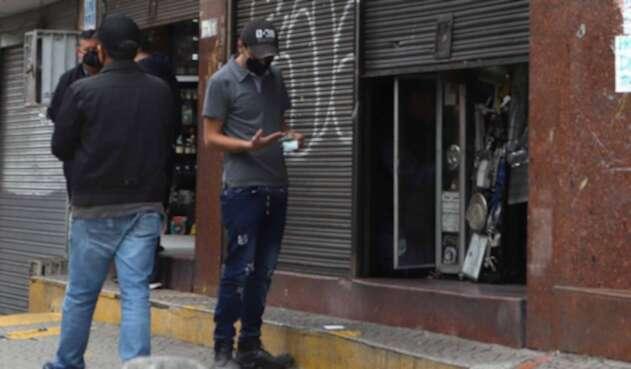 Violación de cuarentena en Bogotá en comercio / coronavirus en Colombia